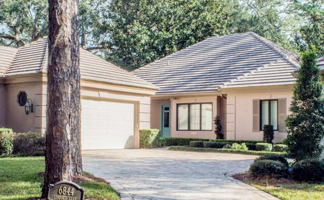 Single Family for Sale at 6844 Linford Ln Jacksonville, Florida 32217 United States