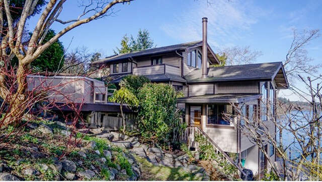 Single Family for Sale at 10658 NE Valley Rd Bainbridge Island, Washington 98110 United States