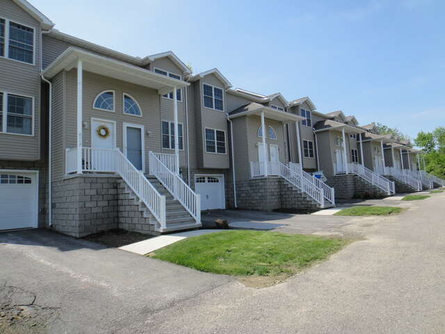 Apartment Rental Complex For Rent At 4109 Wood Hills Dr Erie Pa Homes Land