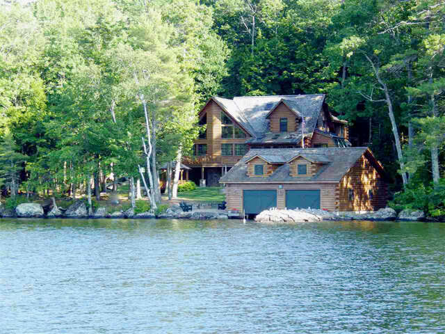 Single Family for Sale at 19 Sawyers Point Road Tuftonboro, New Hampshire 03226 United States