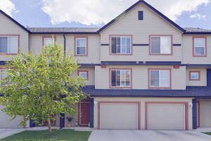 Featured Property in Calgary, AB T2Z 4S9