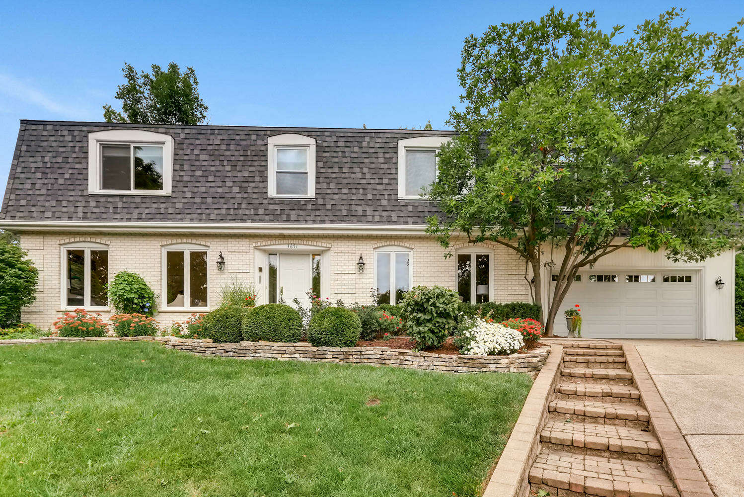 Single Family for Sale at 3651 Red Bud Ct Downers Grove, Illinois 60515 United States