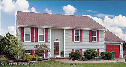 Single Family for Sale at 19 Partree Road Jackson, New Jersey 08527 United States