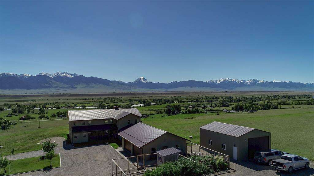 Single Family for Sale at 90 Diamondback Road Ennis, Montana 59729 United States