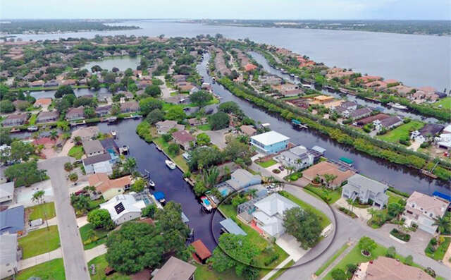 Single Family for Sale at 316 43rd Street Boulevard NE Bradenton, Florida 34208 United States