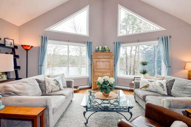 Single Family for Sale at 4 Little Hog Pond Lane Sandwich, Massachusetts 02563 United States