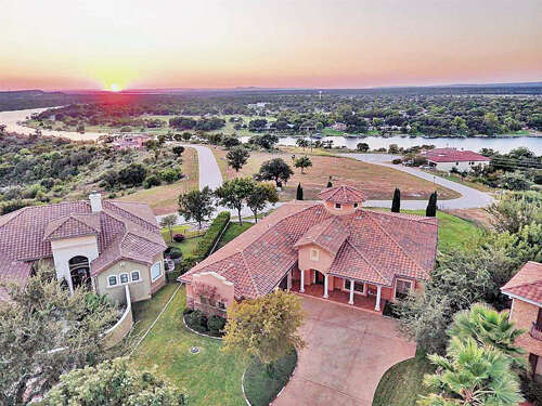 Single Family for Sale at 416 Cielo Circle Marble Falls, Texas 78654 United States