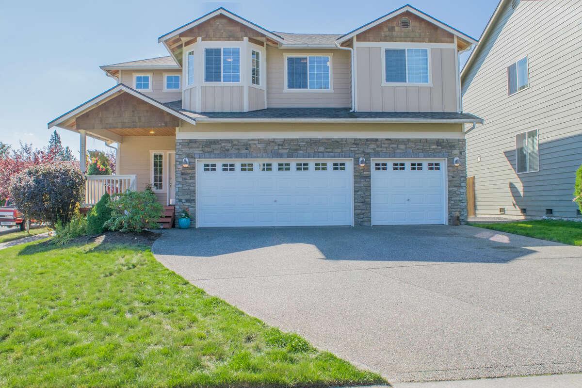 Single Family for Sale at 3328 124th St SE Everett, Washington 98208 United States