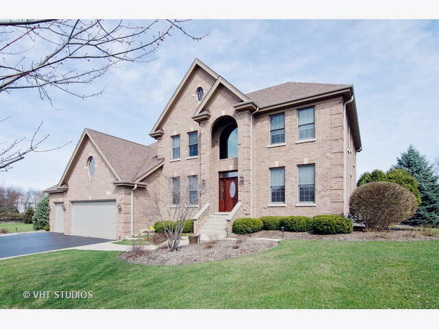 Single Family for Sale at 27 River Ridge Drive Sleepy Hollow, Illinois 60118 United States