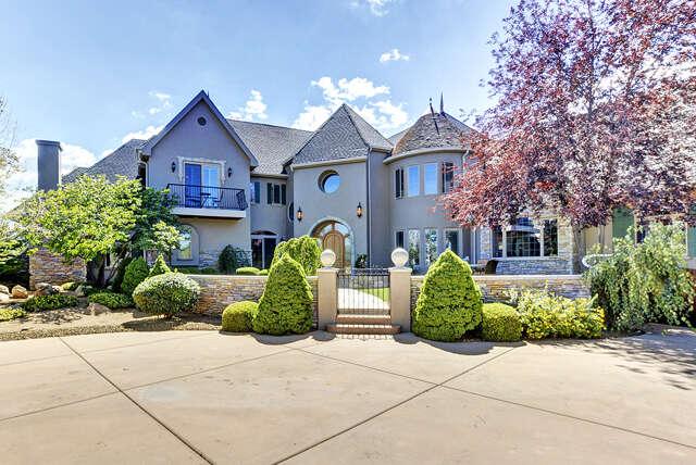 Single Family for Sale at 2031 W Thumb Butte Road Prescott, Arizona 86305 United States