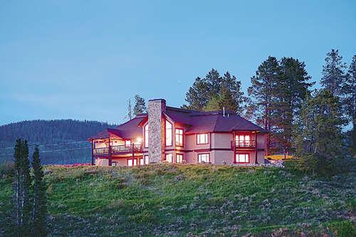 Single Family for Sale at 33017 Maricopa Trail Oak Creek, Colorado 80467 United States