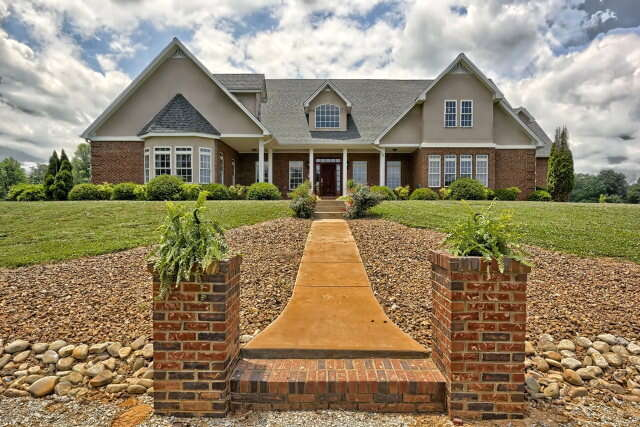 Single Family for Sale at 338 Crawford Chapel Road Cookeville, Tennessee 38506 United States