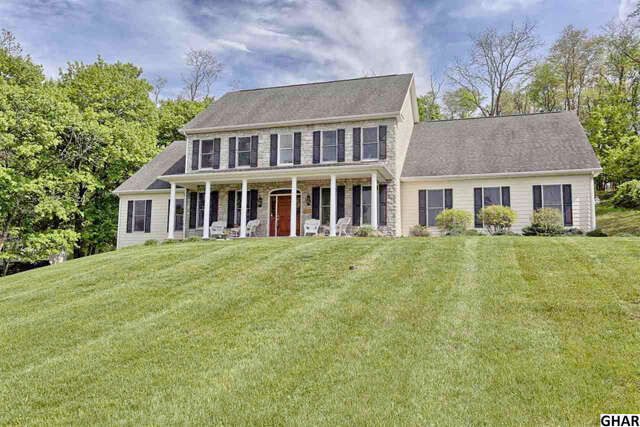 Single Family for Sale at 425 W Winding Hill Rd Mechanicsburg, Pennsylvania 17055 United States