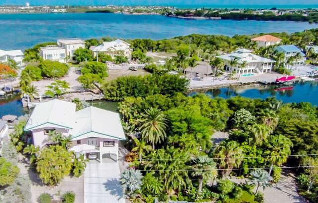 Single Family for Sale at 358 Stirrup Key Boulevard Marathon, Florida 33050 United States