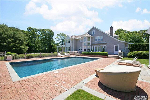 Single Family for Sale at 15 Stone Ln Quogue, New York 11959 United States