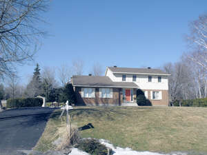 Featured Property in Manotick, ON K4M 1J2