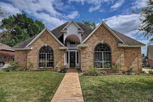 Featured Property in Willis, TX 77318