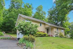 Featured Property in Mountainside, NJ 07092