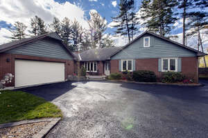 Featured Property in Manotick, ON K4M 1B3