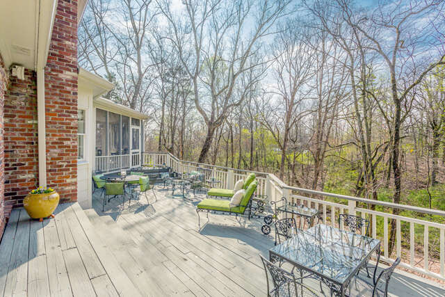 Single Family for Sale at 312 Fairy Tr Lookout Mountain, Tennessee 37350 United States
