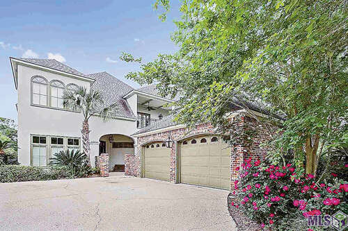 Single Family for Sale at 18536 Fairway Oaks Ct. Baton Rouge, Louisiana 70809 United States
