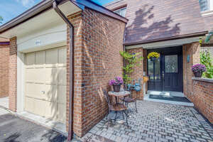 Featured Property in Burlington, ON L7M 1L2