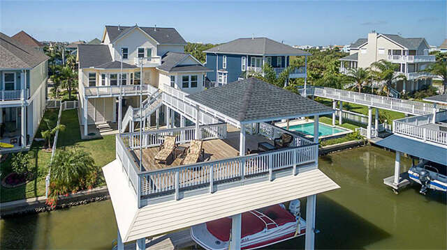 Single Family for Sale at 13515 Windlass Circle Galveston, Texas 77554 United States