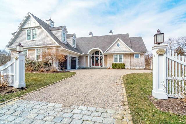 Single Family for Sale at 656 S Main Street Centerville, Massachusetts 02632 United States