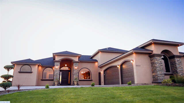 Single Family for Sale at 89416 Summit View Drive Kennewick, Washington 99338 United States