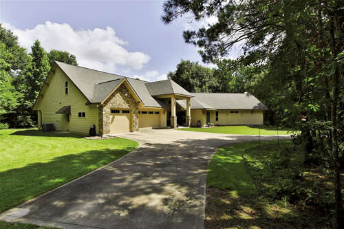 Single Family for Sale at 8935 Dogwood Drive Tomball, Texas 77375 United States