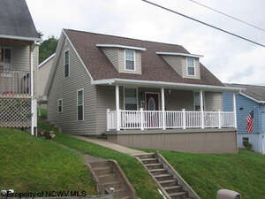 Featured Property in Nutter Ft, WV 26301