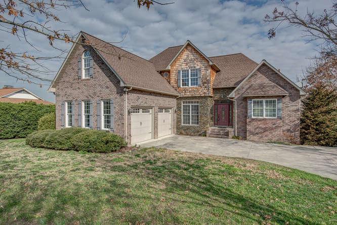 Single Family for Sale at 123 Canterbury Drive Kings Mountain, North Carolina 28086 United States