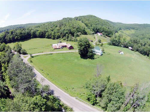 Single Family for Sale at 64 Levasseur Road Barnard, Vermont 05031 United States