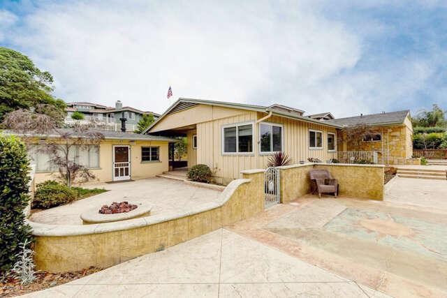 Single Family for Sale at 541 Ridgecrest Drive Santa Paula, California 93060 United States