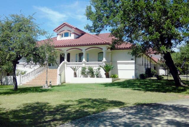 Single Family for Sale at 22016 Las Cimas Dr. Garden Ridge, Texas 78266 United States