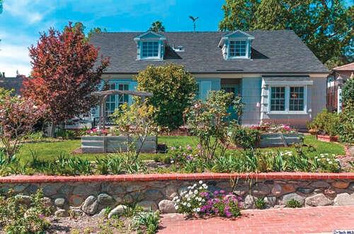 Single Family for Sale at 4539 Indiana Avenue La Canada Flintridge, California 91011 United States