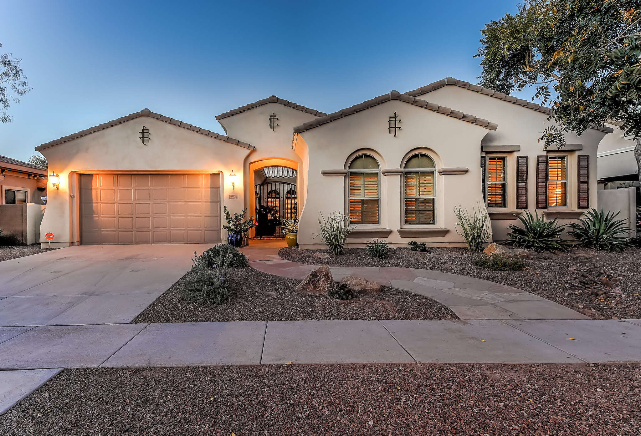 Single Family for Sale at 4310 E Santa Fe Ln Gilbert, Arizona 85297 United States