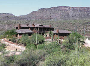 Featured Property in Black Canyon City, AZ 85324