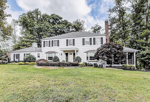 Single Family for Sale at 60 Tulip Lane Colts Neck, New Jersey 07722 United States