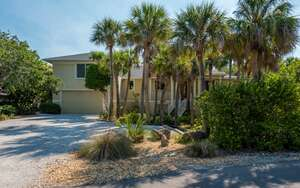 Featured Property in Englewood, FL