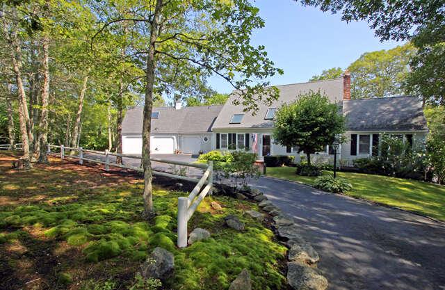 Single Family for Sale at 380 Whistleberry Marstons Mills, Massachusetts 02648 United States
