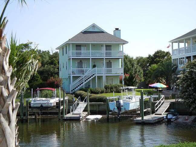 Single Family for Sale at 1003 Waterview Place Carolina Beach, North Carolina 28428 United States