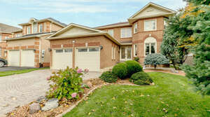 Featured Property in Newmarket, ON L3X 1E9
