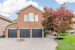 Real Estate for Sale, ListingId: 41576963, Pickering, ON  L1X 2S7