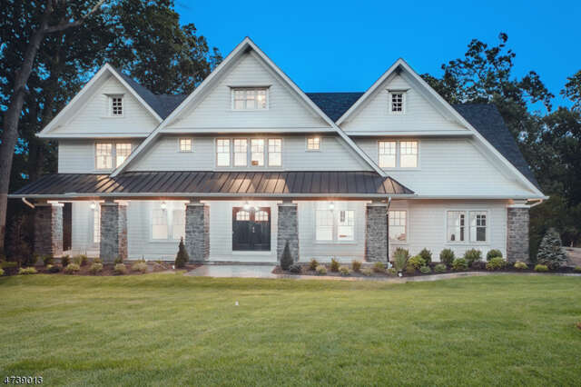 Single Family for Sale at 182 Oak Ridge Ave Summit, New Jersey 07901 United States