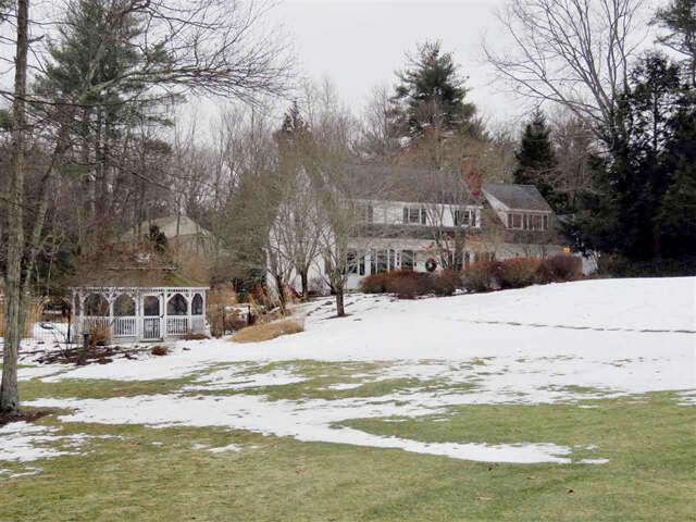 Single Family for Sale at 16 Coach Road Stratham, New Hampshire 03885 United States