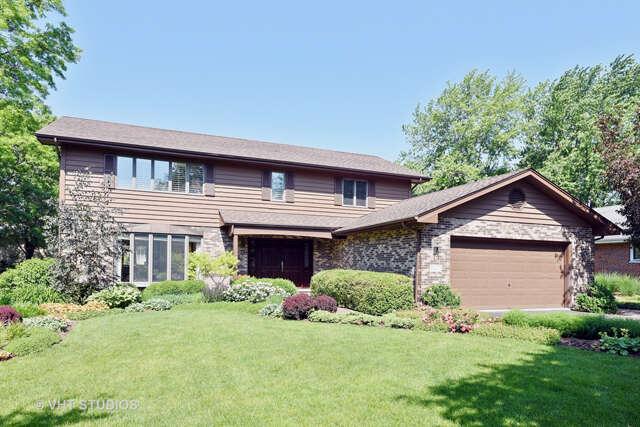 Single Family for Sale at 8400 Dolfor Cove Burr Ridge, Illinois 60527 United States