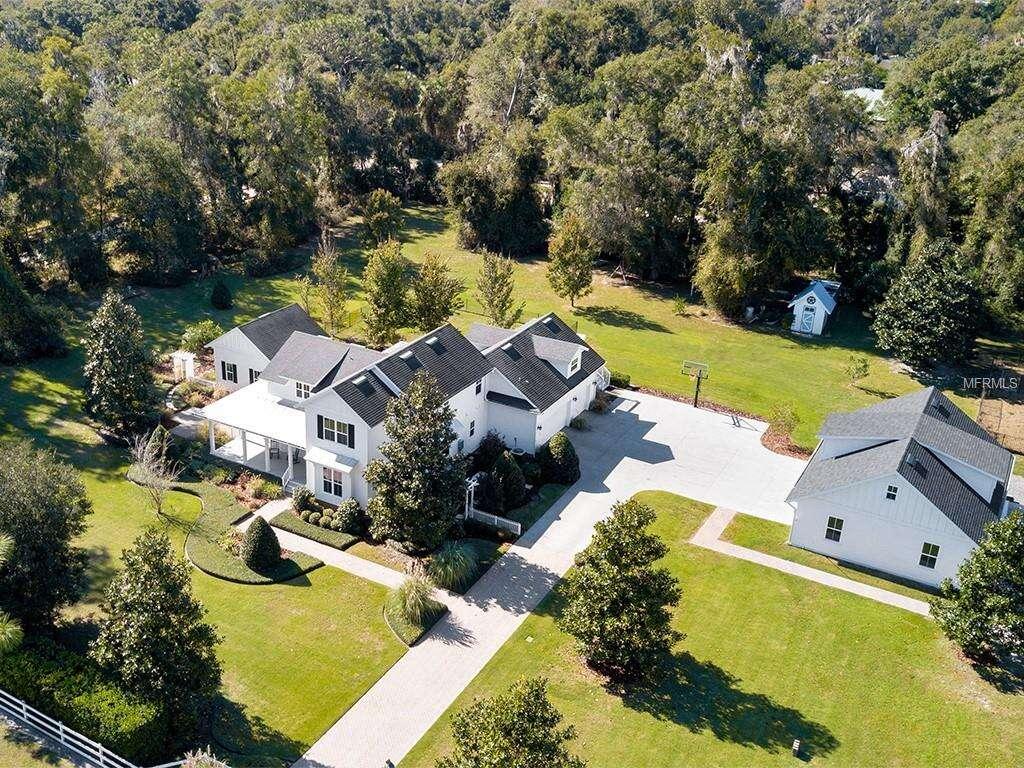 Single Family for Sale at 1530 Rambling Oaks Lane Deland, Florida 32720 United States