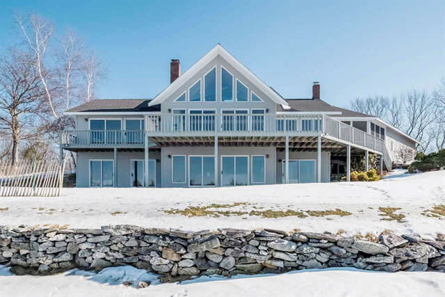 Single Family for Sale at 302 Roberts Cove Road Alton, New Hampshire 03809 United States