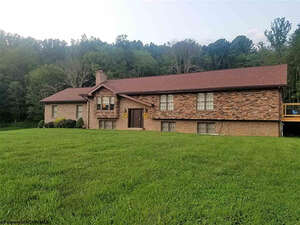 Featured Property in Mt Clare, WV 26408